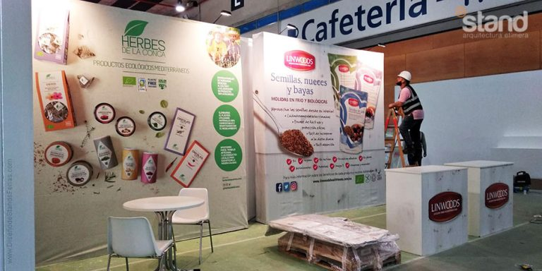 Stands Portátiles Linwoods y Herbés de la Conca - Organic Food Iberia 2019